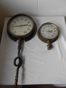 2 brons/gietijzeren drukmeters  The james Morrison Brass MFG. Co. Limited, Canada