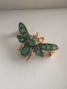 Vintage Bee brooch  with  Emeralds and Diamond, No Reserve