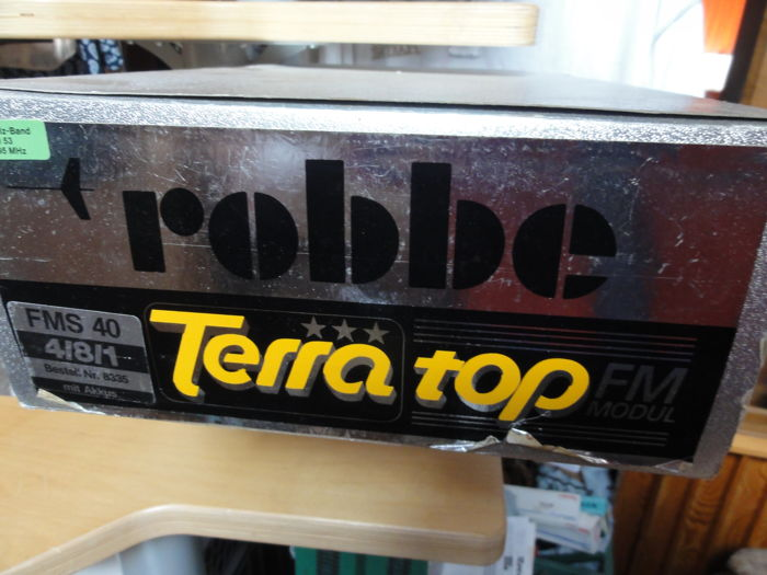 Robbe Terra top remote control 40 MHZ with three servos and battery packs