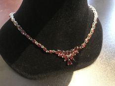 vintage silver 925 necklace with lovely garnet gems