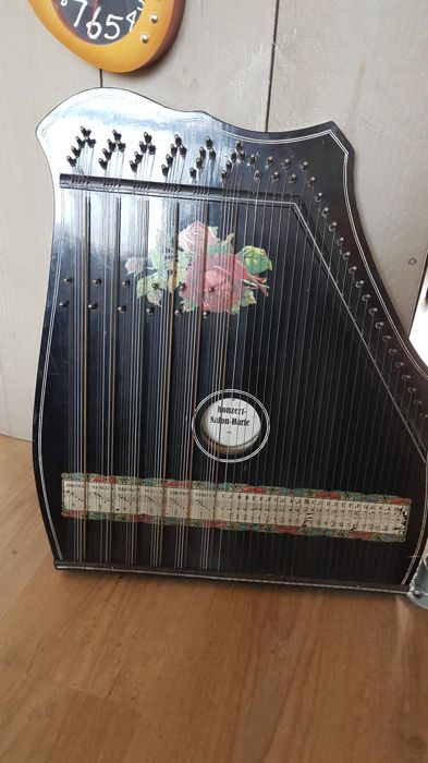 Vintage zither harp