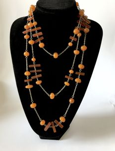 Long vintage necklace with Baltic amber beads, 66.4 grams, Art Deco period - no reserve