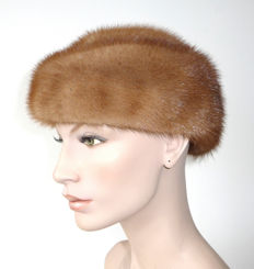 Fashionable caramel-brown mink hat fur hat mink cap hat