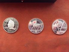 Great Britain -- 5 pounds, 2000–2002 (3-coin set) -- silver