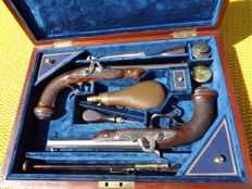 Pair of French Duelling Percussion  pistols, ( 1840-1850 in case.