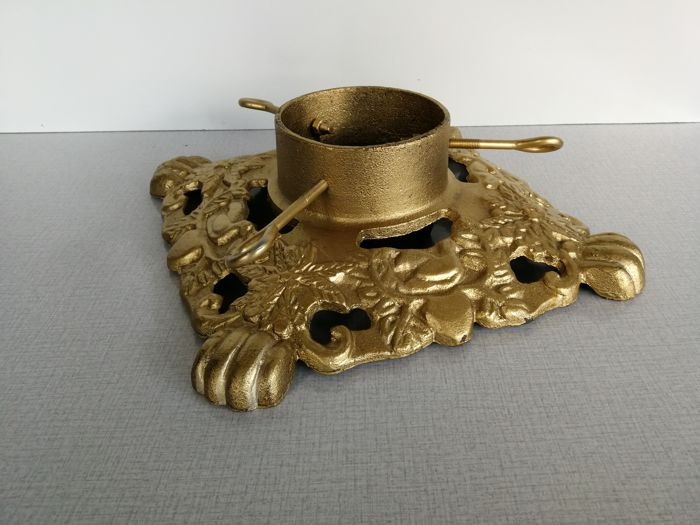 Vintage Christmas Tree Stand.Vintage Christmas Tree Stand Cast Iron Gold Coloured With
