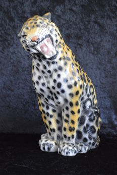 Jaguar - very large - 49 cm