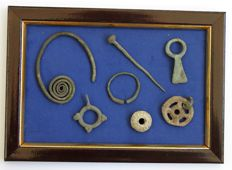 La Tène bronze ornaments and amulets - 51x47mm; 63mm; 36x17mm; 31mm; 25mm; 30mm; 1.6mm (7)