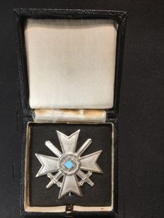 Third Reich War Service Cross 1939 1st Class with swords, manufacturer 62