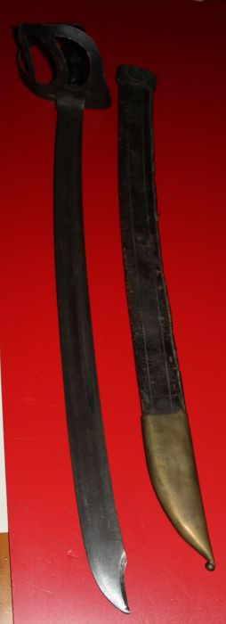 Original Klewang Royal Army, in good condition, complete with leather sheath