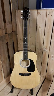 Squier Fender SA-105 acoustic western guitar
