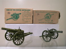 Britains Army Models, England - Schaal 1/32 - 2 x Gun of the Royal Artillery Nos.  No.1263/1292, jaren 50