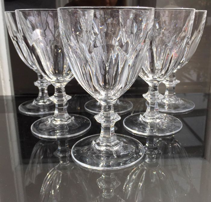 Lot consisting of 6 large wine/water glasses made of fine crystal