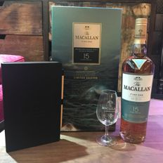Macallan 15 Year Old Fine Oak Gift Set with Glass and a Exquisite Notebook