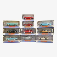 Dinky Toys - Scale 1/43 - Lot with 10 Dinky toys cars classics from the 1950s
