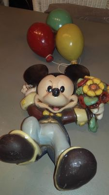 Disney, Walt - Figure - Mickey Mouse hanging from balloons (1970/1980)