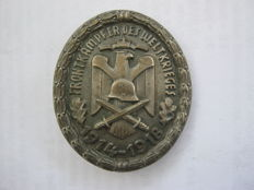 Badge for combatants of world war