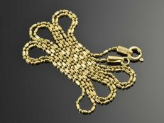 18k Gold Necklace. Chain - 49,5 cm.