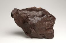 Gebel Kamil - Iron Meteorite - Best Ataxite - Top massive Shrapnel with rare melting lips - 377.40 g