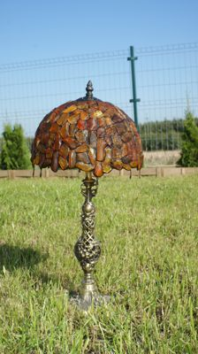 Amber lamp with insects and inclusions incl. certificate, diameter 27 cm, height 52 cm