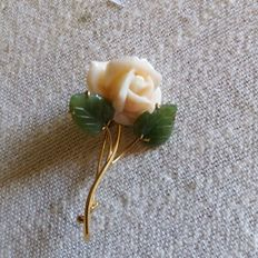 18K Gold brooch with  angel skin coral and Jade-Nephrite  leaves