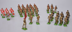Britains, England - Height 6-10 cm - lot with 49 metal figures, soldiers and drummers, 2nd half of 20th century