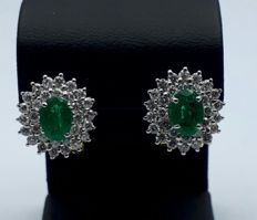 18 Ct Gold Earrings With Natural Emerald & Diamonds