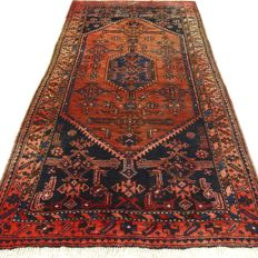 """Hamadan - 208 x 108 cm.  - """"Persian carpet in top condition"""" - With certificate."""