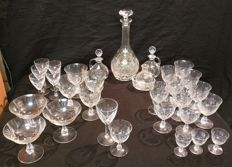 Set of glasses with glass decanter