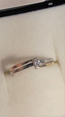 Ring with diamond 0,04 ct, size 15,5 mm