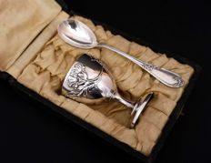 Egg cup with poppies, Art Nouveau, Silver 950/1000
