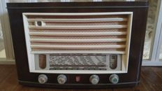 Philips BF532A radio uit 1953