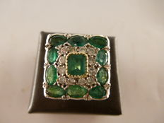 Ring with emeralds – 1950s