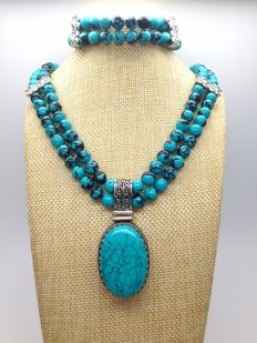 Bold Two-Row necklace with pendant and bracelet made from turquoise gemstone beads in sterling silver 925 - no reserve price