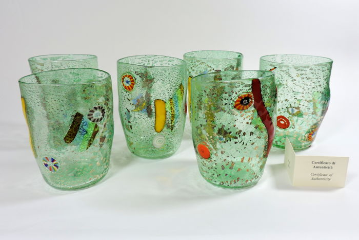 "MuMa Italia - Set of 6 glasses ""Goti di Fornace"" made of green glass with murrine millefiori, colour glass canes and silver leaf"
