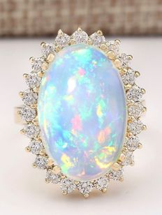 9.17 Carat Opal And Diamond Ring In 14K Solid White Gold Ring Size: 7 *** Free Shipping *** No Reserve *** Free Resizing ***