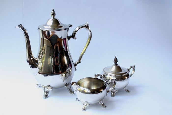 Tea pot, sugar bowl and creamer - International Silver Compagny, 20th century