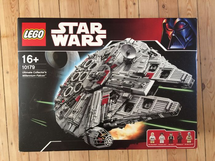 Star Wars - 10179 - Ultimate Collector's Series Millennium Falcon