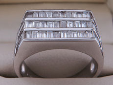 18 kt white gold unisex ring with diamonds (Colour: E/G – Clarity: VS2/SI2) – Ring size: 17.82 mm