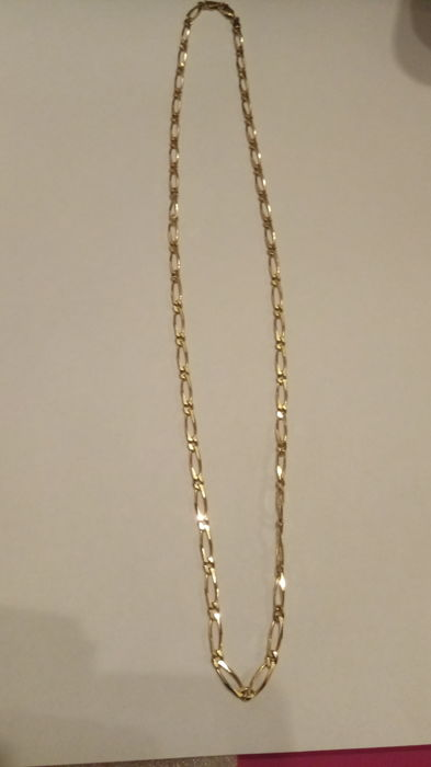 Chain in horse links, 18 kt gold - 54 cm.