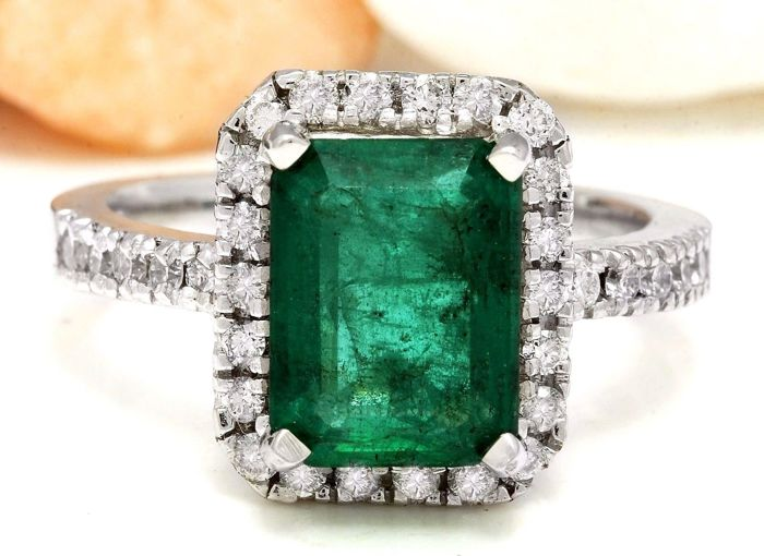 3.61 Carat Emerald 14K Solid White Gold Diamond Ring - Ring Size: 7. No Reserve Price and Free Resizing