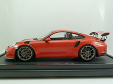 Spark Porsche Industry - Scale 1/12 - Porsche 911 (991) GT3 RS 2015 - Lava Orange