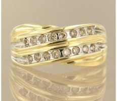 Bicolour gold ring with brilliant cut diamond, ring size 16.5 (52) – No reserve price