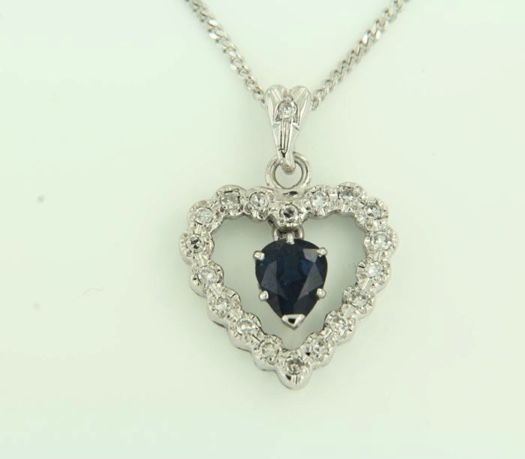 Necklace in white gold and pendant with a Sapphire and Diamonds - No reserve price.