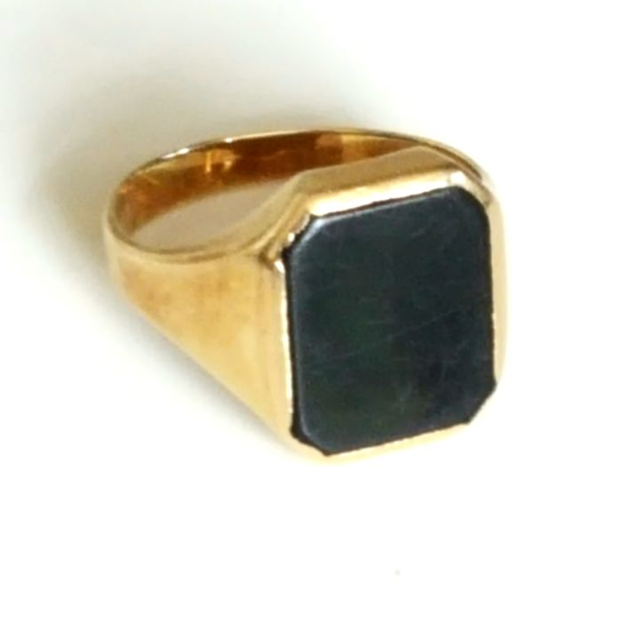 Gold signet ring, 14 karat - 21 mm