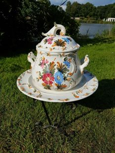 Very beautiful, large, unique Bassano, Italy, tureen with lid on a dish