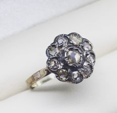 Antique 'Daisy' ring, rose cut diamonds, circa 1910