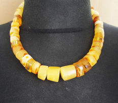 Authentic natural Baltic Amber necklace egg yolk butterscotch colour, 69 grams