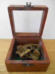 Victorian Brass Sextant in wooden box - 2nd half of 20th century