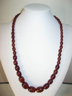 Bakelite Necklace - Amber, 1940